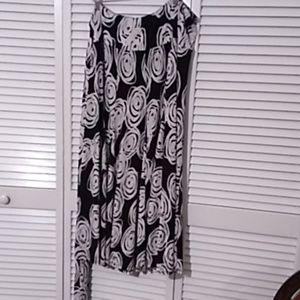 Ladies Plus Size Black And White Maxi Skirt